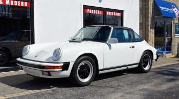 1988 Porsche Carrera 3.2, Targa